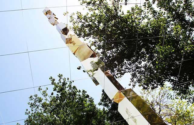 王开方艺术北京装置《金砖:通天塔》